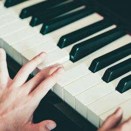 piano-round-img